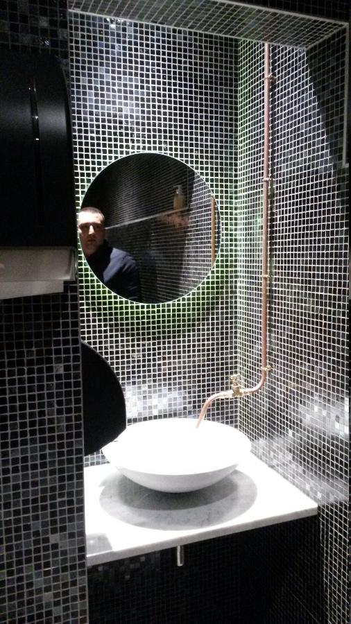 installatie sanitair detailafwerking wasbakken