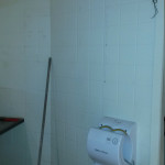 Installatie sanitair handdroger monteren